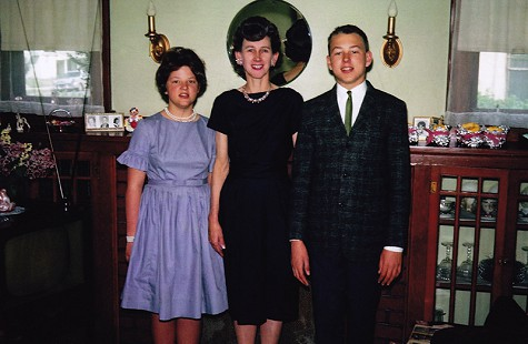 Vic Snyder with his mother, Marjorie, and sister, Karen © Pryor Center for Arkansas Oral and Visual History, University of Arkansas