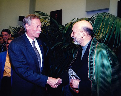 Vic Snyder (left) with Prime Minister Hamid Karzai of Afghanistan © Pryor Center for Arkansas Oral and Visual History, University of Arkansas