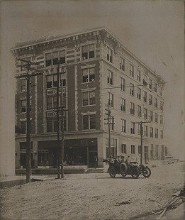 Solomon Brothers Building, Helena, Arkansas, 1907 © Pryor Center for Arkansas Oral and Visual History, University of Arkansas
