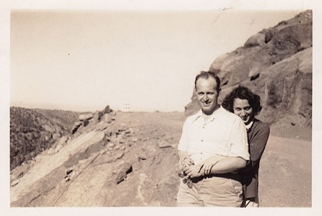 David Solomon with his wife, Miriam Elkas Solomon; Colorado, ca. 1940s © Pryor Center for Arkansas Oral and Visual History, University of Arkansas
