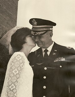 Cynthia Brooke Bayliss Steele kissing her father on her wedding day, 1967                            © Pryor Center for Arkansas Oral and Visual History, University of Arkansas