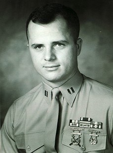 Marty Steele, US Marine Corps                        © Pryor Center for Arkansas Oral and Visual History, University of Arkansas