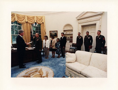 President Bill Clinton administers the oath of office of brigadier general to Colonel Marty Steele in the Oval Office, 1993 © Pryor Center for Arkansas Oral and Visual History, University of Arkansas
