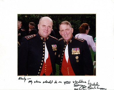 Lieutenant General Marty Steele (left) with General Charles C. Krulak © Pryor Center for Arkansas Oral and Visual History, University of Arkansas