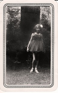 Dorothy Davis (Stuck) at age 10 in dance costume; Muskogee, Oklahoma, 1932 © Pryor Center for Arkansas Oral and Visual History, University of Arkansas