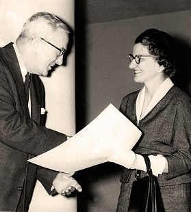 Dorothy Davis Stuck receiving the Marked Tree community award from Arkansas Power and Light president Reeves Ritchie, 1958 © Pryor Center for Arkansas Oral and Visual History, University of Arkansas