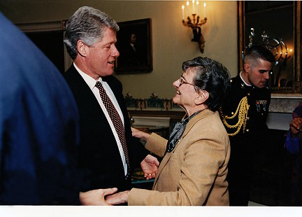 Dorothy Stuck with President Bill Clinton, January 1994 © Pryor Center for Arkansas Oral and Visual History, University of Arkansas