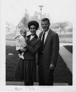 B. Alan and Jean Sugg with daughter, Katie, October 1963 © Pryor Center for Arkansas Oral and Visual History, University of Arkansas