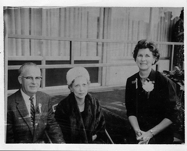 Barney and Louise Sugg, parents of B. Alan Sugg, with an unidentified woman © Pryor Center for Arkansas Oral and Visual History, University of Arkansas