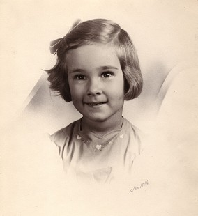 Jean Bussell (Sugg) portrait at age 5; 1943 © Pryor Center for Arkansas Oral and Visual History, University of Arkansas
