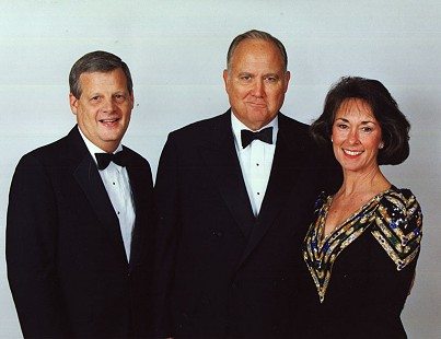 B. Alan and Jean Sugg with General Norman Schwarzkopf © Pryor Center for Arkansas Oral and Visual History, University of Arkansas