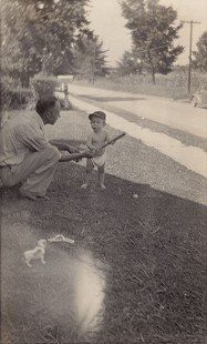 Bubba Sullivan with his grandfather, Gene Smith, 1942 © Pryor Center for Arkansas Oral and Visual History, University of Arkansas