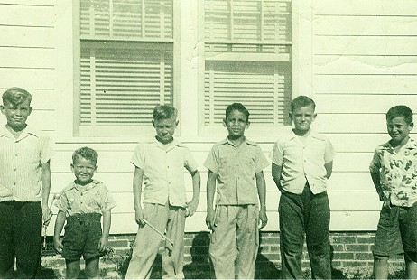 Left to right: Buddy Sutton, C. C. Booth, Tommy Britt, Homer Martinez, S. A. Westbrook, and Richard Bruner; Hope, Arkansas, 1943 © Pryor Center for Arkansas Oral and Visual History, University of Arkansas