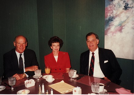 Buddy Sutton (right) and his wife, Peggy, with Tom Landry, 1989 © Pryor Center for Arkansas Oral and Visual History, University of Arkansas