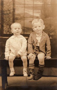 Leland Tollett (left) with his brother, James, 1937 © Pryor Center for Arkansas Oral and Visual History, University of Arkansas