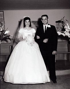 Betty and Leland Tollett on their wedding day, June 2, 1961 © Pryor Center for Arkansas Oral and Visual History, University of Arkansas