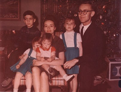 Harry and Betty Jo Ward with their family at Christmas © Pryor Center for Arkansas Oral and Visual History, University of Arkansas