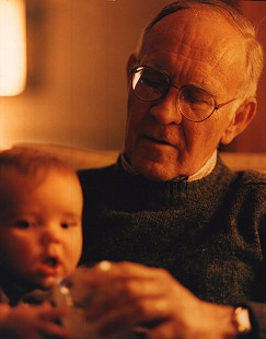 Harry Ward with his grandchild © Pryor Center for Arkansas Oral and Visual History, University of Arkansas
