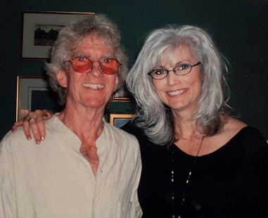 John Ware and Emmylou Harris at Eddie Tickner wake, a celebration of all things Eddie, 2006 © Pryor Center for Arkansas Oral and Visual History, University of Arkansas