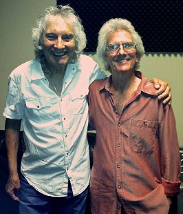 Albert Lee and John Ware backstage, 2013 © Pryor Center for Arkansas Oral and Visual History, University of Arkansas