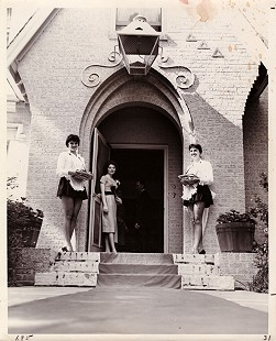 Donna Axum (Whitworth) at the Tri Delta sorority house at the University of Arkansas © Pryor Center for Arkansas Oral and Visual History, University of Arkansas