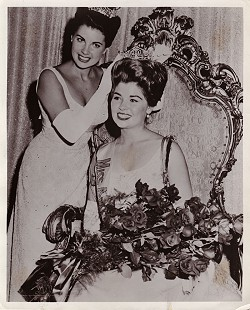"Donna Axum (Whitworth) (right) with the Miss America 1963, Jacquelyn ""Jackie"" Jeanne Mayer © Pryor Center for Arkansas Oral and Visual History, University of Arkansas"
