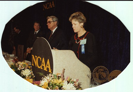Al Witte receiving recognition at the NCAA banquet with the Athletic Director of women's athletics at Tennessee (right) and Ronald Reagan (left); early 1990s © Pryor Center for Arkansas Oral and Visual History, University of Arkansas