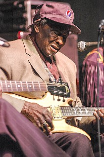 "Dave ""Honeyboy"" Edwards performs at the Arkansas Blues and Heritage Festival; 2005 © Eric Gorder 2005; egorder@gmail.com"